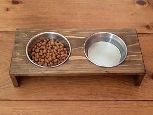 いぬのテーブル
